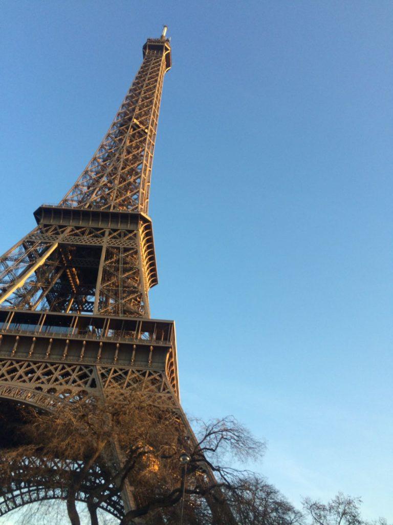 Dans la capitale française, j'enchaîne les interviews.